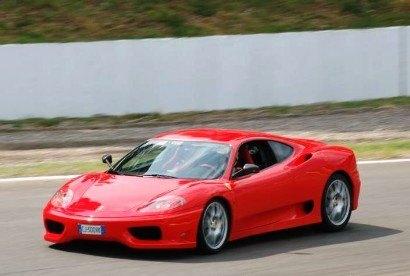 In pista con la Ferrari F430