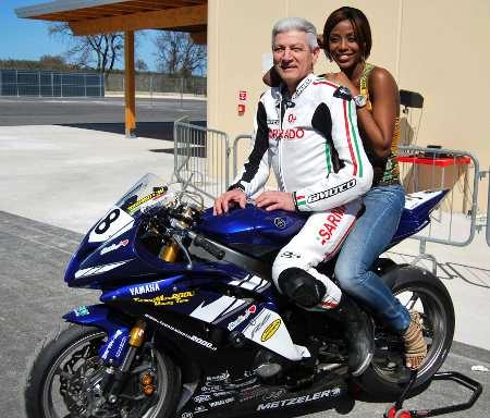 Ainett Stephens in moto al Circuito Internazionale d'Abruzzo