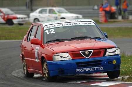 Michele Parretta in pista nel Trofeo Alfa 33