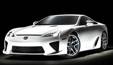 La nuova ipersportiva Lexus LFA con pneumatici Potenza S001