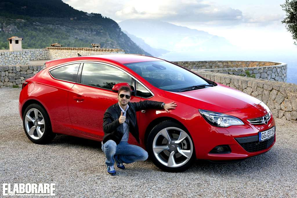 Photo of Opel Astra GTC 2012