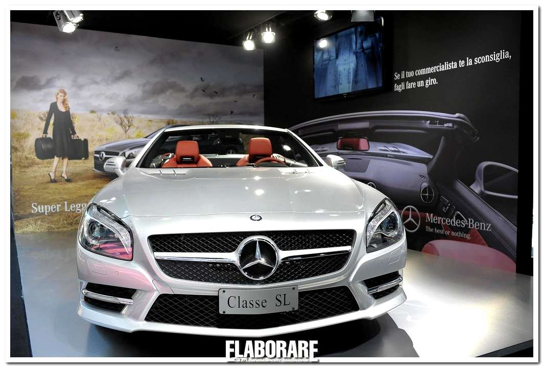Photo of Mercedes SL a Milano Moda Donna 2012