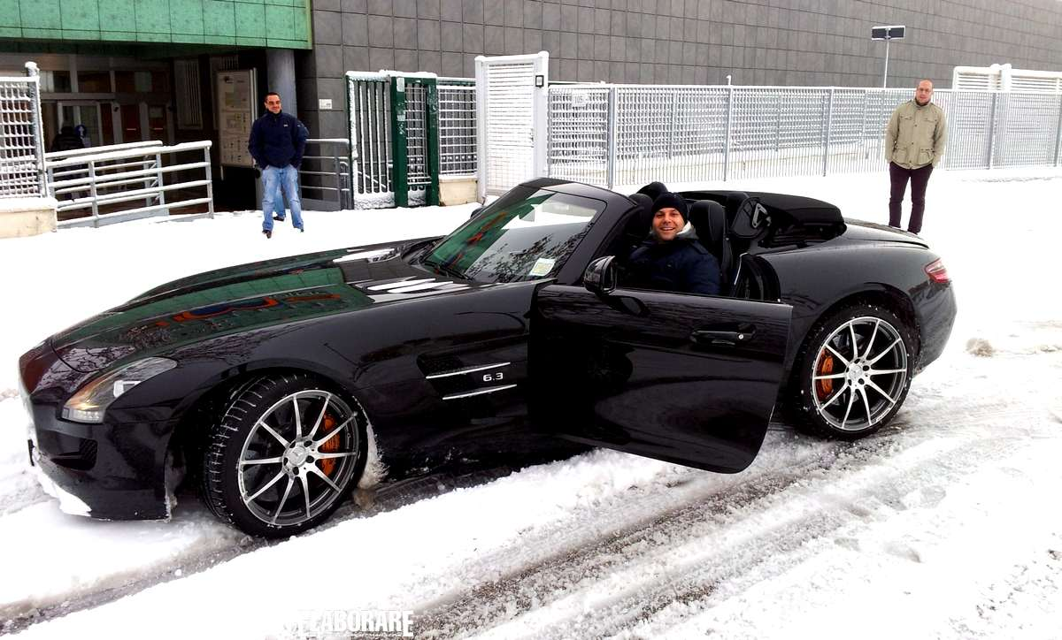 Photo of SLS AMG Mercedes cabrio provata sulla neve
