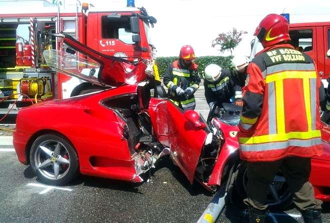 Photo of Ferrari distrutta incidente