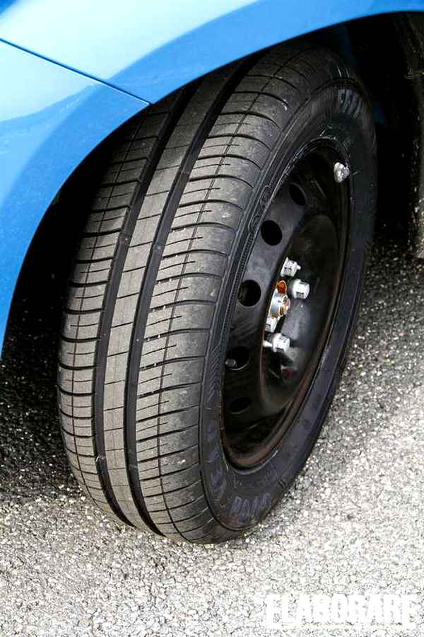 Photo of EfficientGrip Compact  Goodyear
