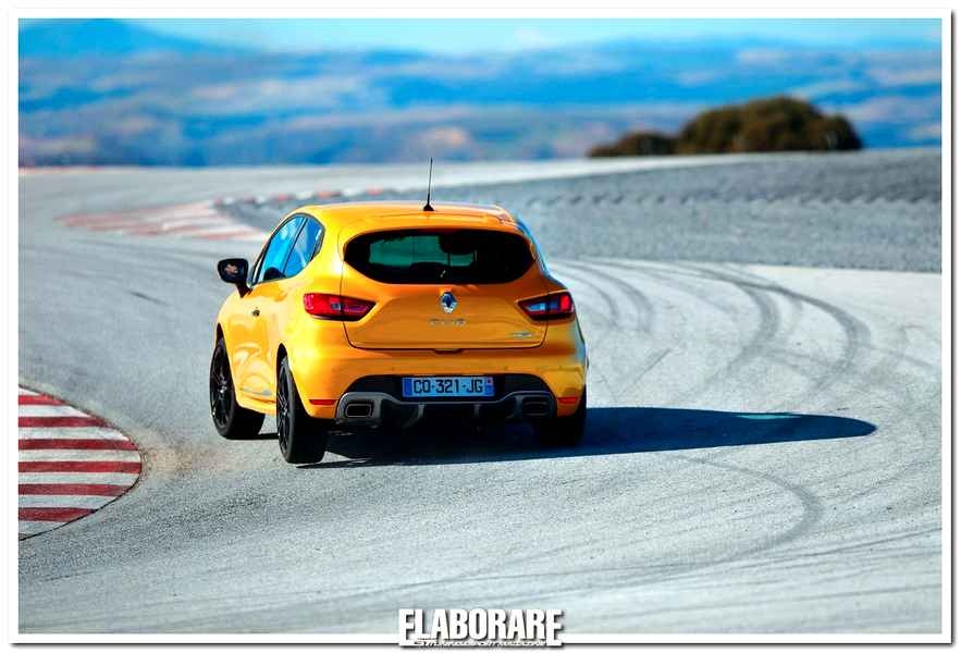 Photo of Clio RS: in pista camer car con Alan Prost