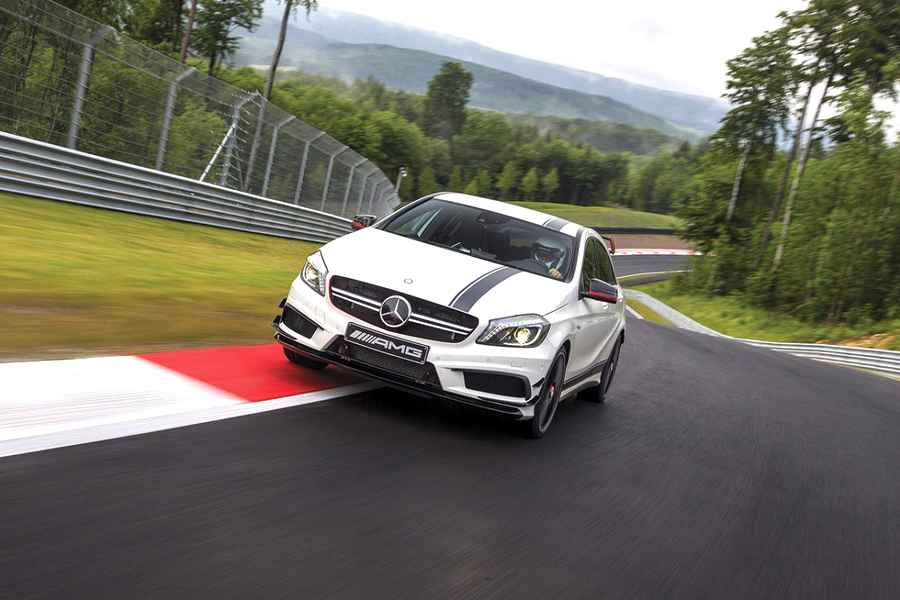 Photo of Mercedes A45 AMG: bentornato godimento!
