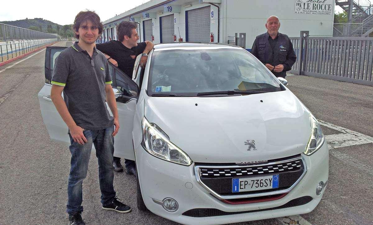 Photo of La Peugeot 208 GTi con Marco Bachiorri