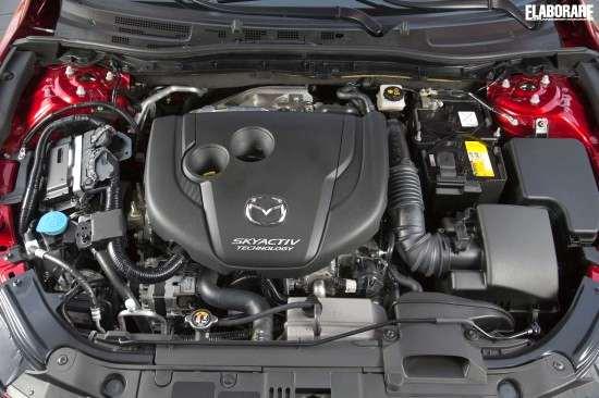 Mazda_3_skyactive2013_139