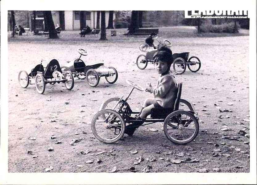 Photo of Quando non esistevano le cinture di sicurezza… forse era meglio?