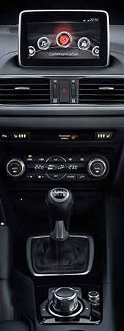Mazda3_2013_interior_5
