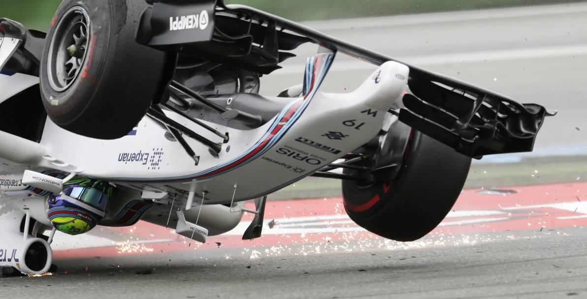 Photo of Massa spettacolare cappottamento Hockenheim [video]