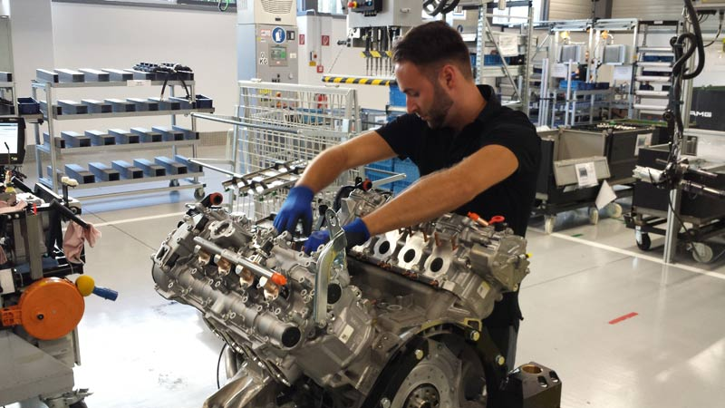 Photo of I motori Mercedes-AMG sono assemblati a mano!