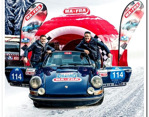 I titolari di MA-FFRA  Marco e Massimiliano Mattioli su Porsche neve