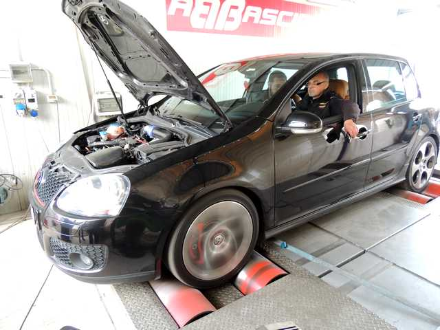 Photo of Come elaborare VW Golf GTI [358,1 CV]