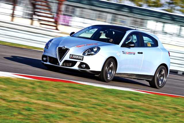 Photo of Alfa Romeo Giulietta test in pista Pavia