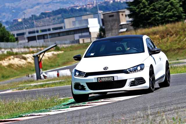 Photo of VW Scirocco R TSI test in pista Isam