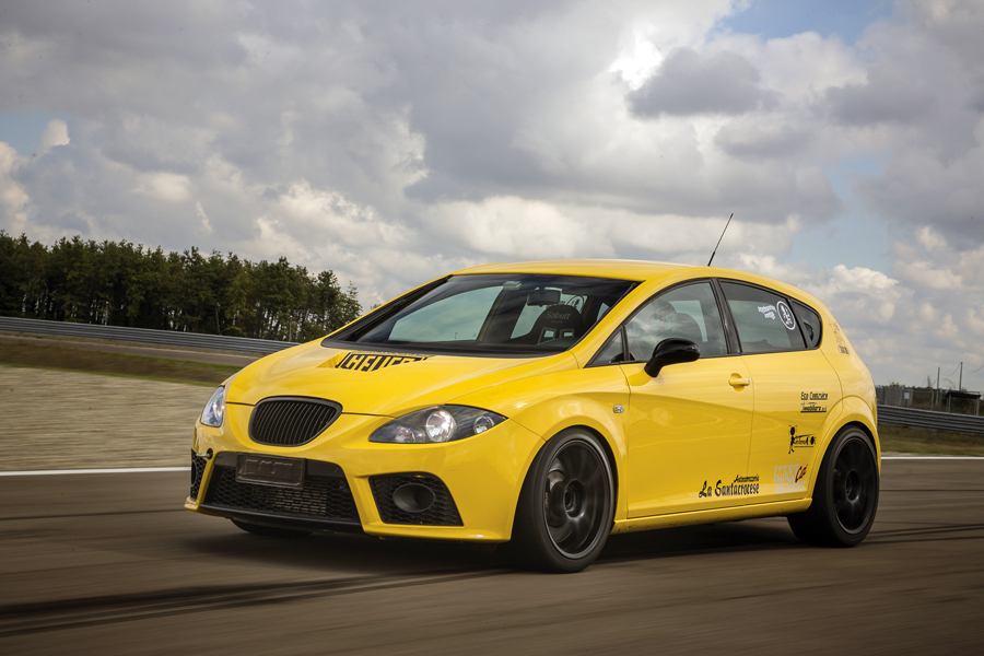 Photo of Seat Leon Cupra elaborata track day 401 CV