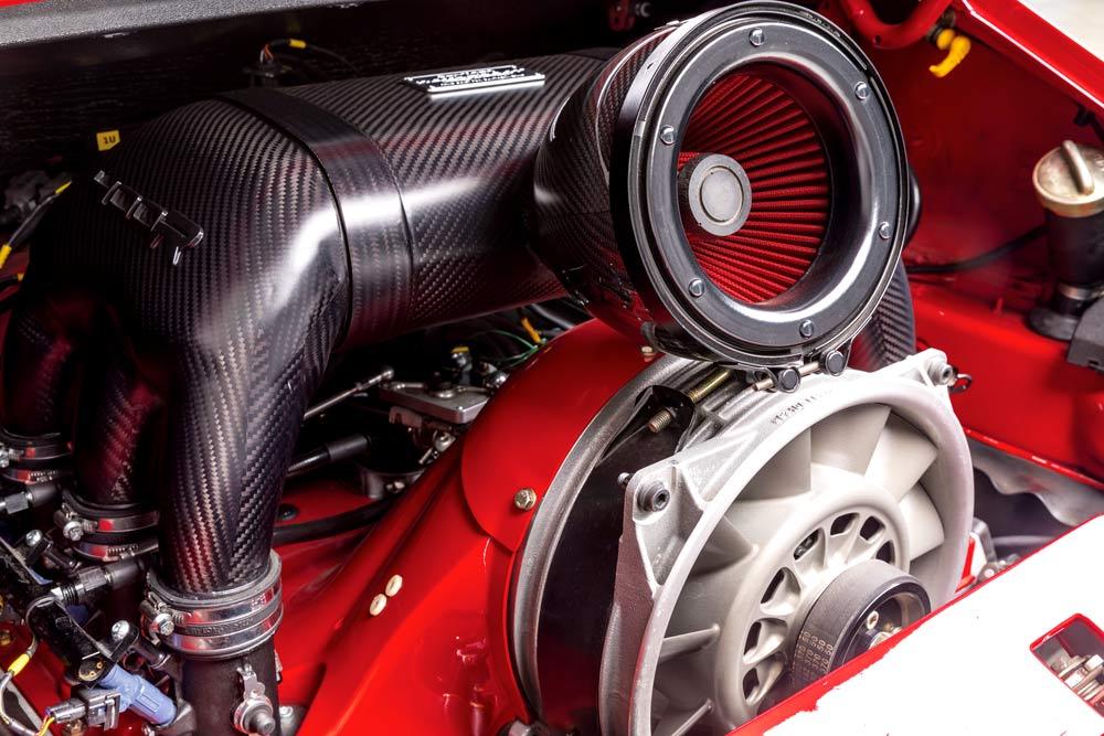 Topcar Gunther Werks 400R Motore