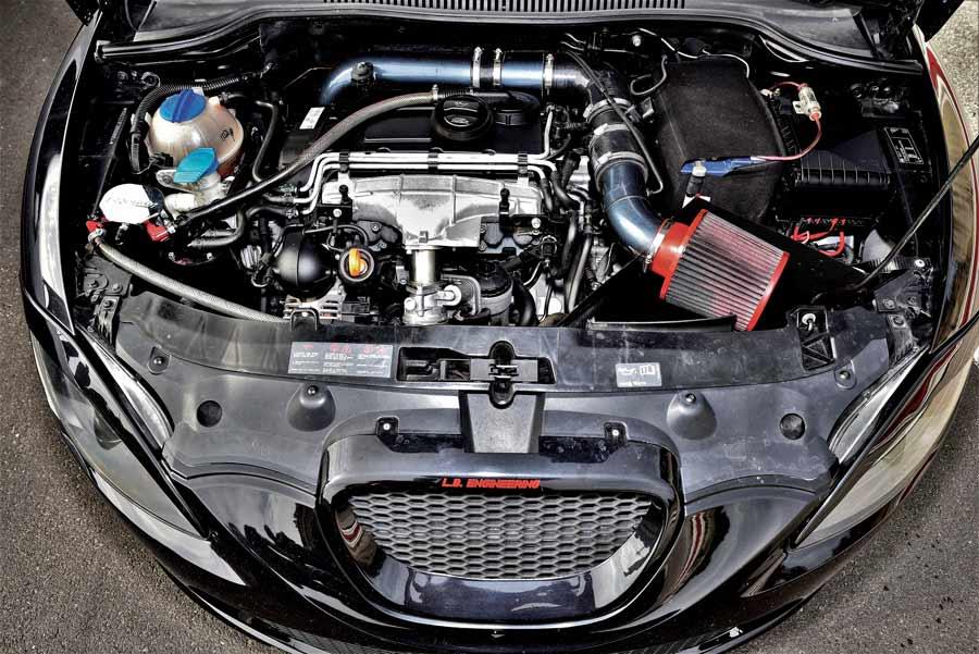 Seat Leon 2.0 TDI elaborata 360 CV con preparazione L.B. Engineering