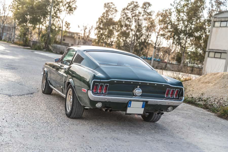 Ford Mustang Fastback 1968 auto storica americana elaborata con preparazione Buffalo Garage