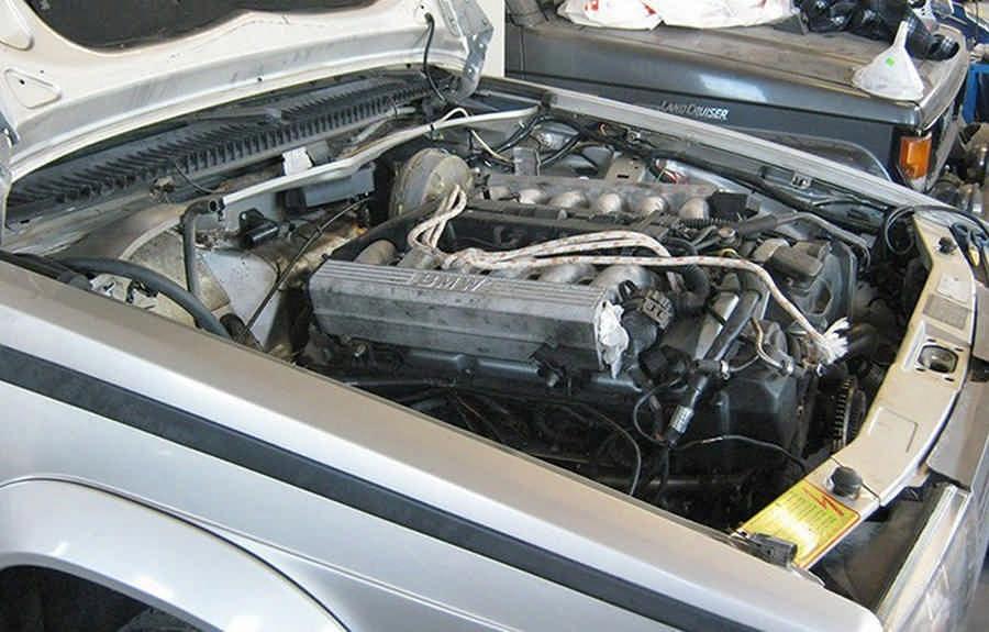 Alfa-Romeo-75-Swap-M73-Biturbo-V12