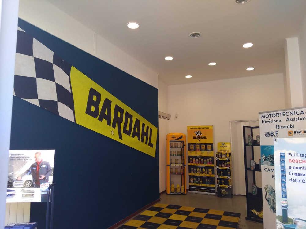 MT Racing interni negozio